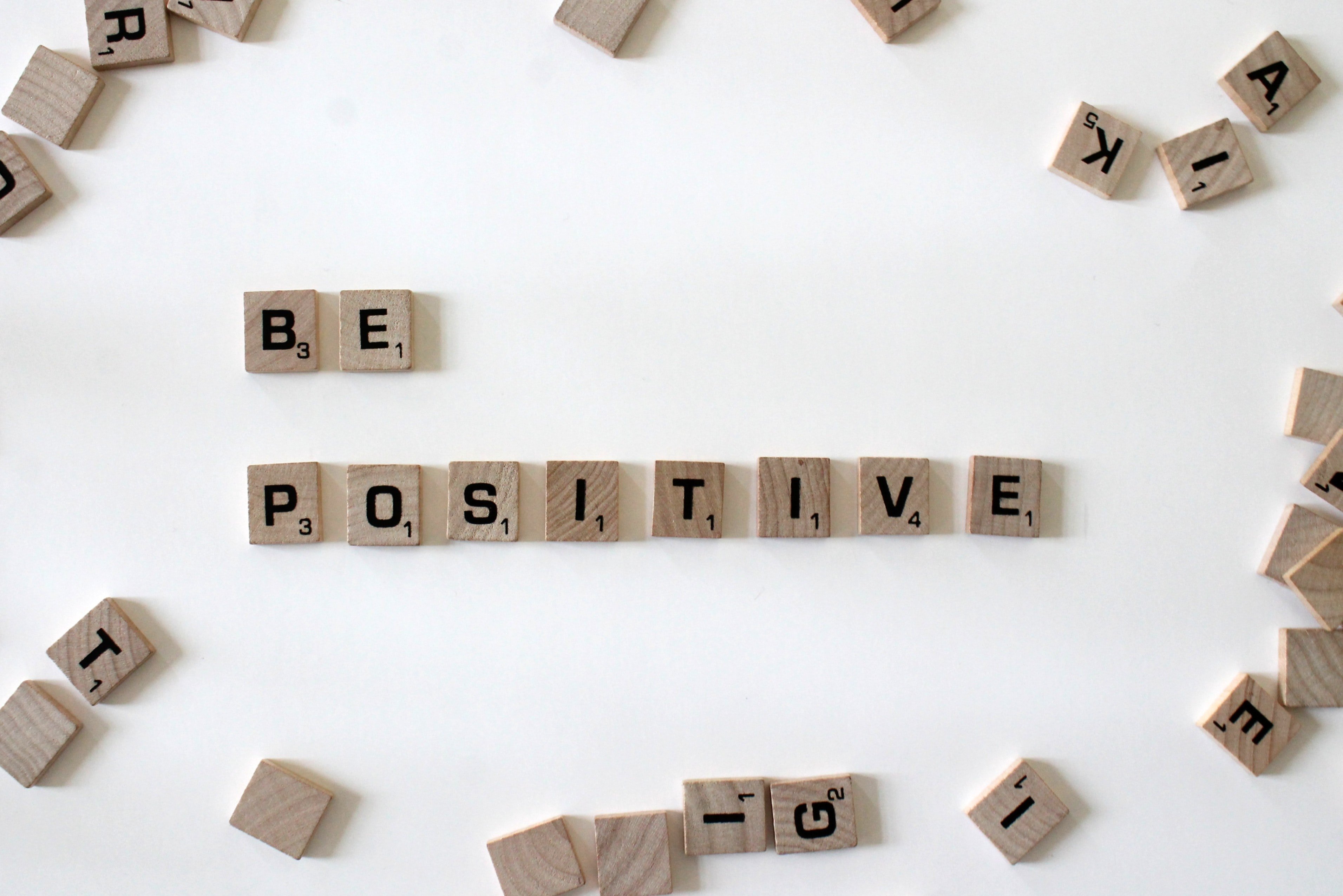 How to stay positive on social medias